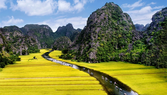 Hanoi – Ninh Binh – Hoa Lu – Tam Coc (full day) – Group tour